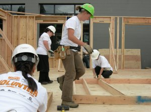 JOE MABEL/CC-BY-SAE 3.0  Habitat for Humanity offers a variety of community service initiatives.