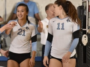 HOPKINSSPORTS.COM Senior Carolyn Zin (21) was instrumental in the Jays' win vs. Muhlenberg.