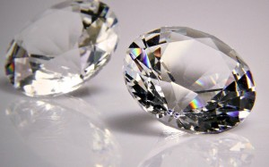 WILERSON S ANDRADE /CC-BY-SA 2.0  Scientists recently discovered that hyperpolarized diamonds can be used to detect cancer in humans.